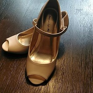 Girls size 13 little open toe pump